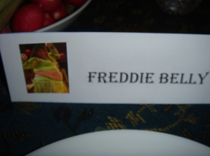 Freddie Belly Place Setting